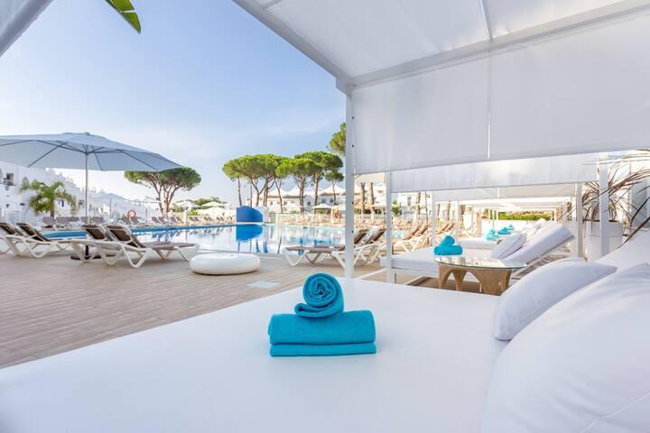 Suite en Marbella junto a playa y campos de golf