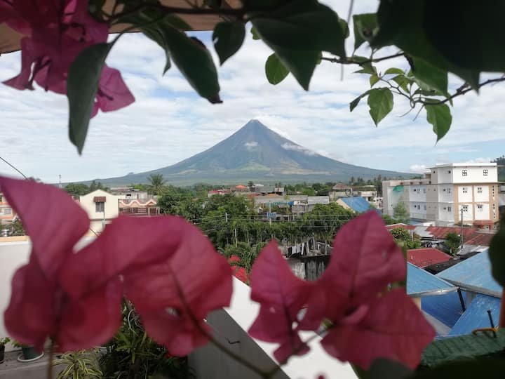 Affordable Room with view of Mayon