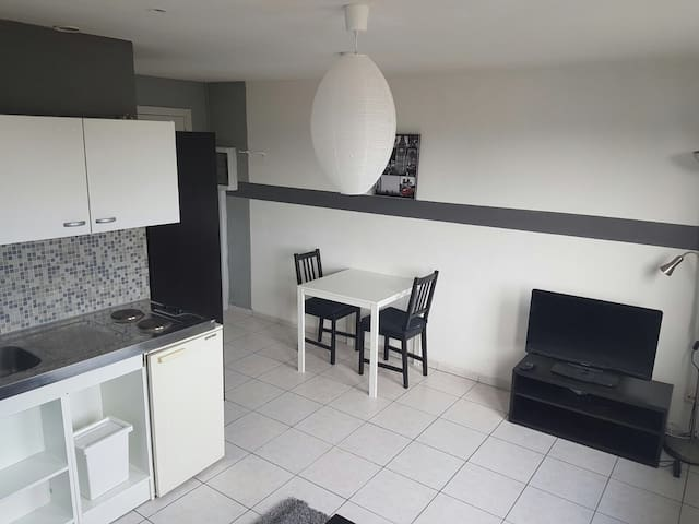 Studio entièrement meublé - Liège - Apartmen