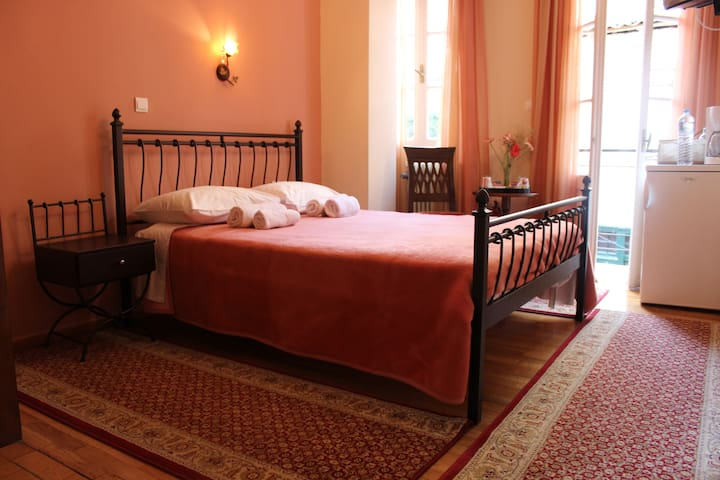 Double Room (Filyra Pension-Ruby) - Nafplion - Bed & Breakfast