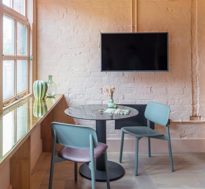 Whitworth Locke Twin Studio Apartment