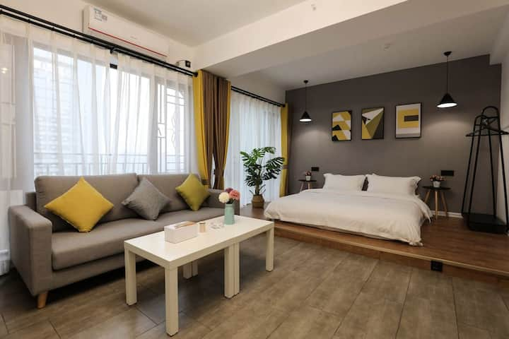 金沙湾商圈-喜居公寓-跃式大床房