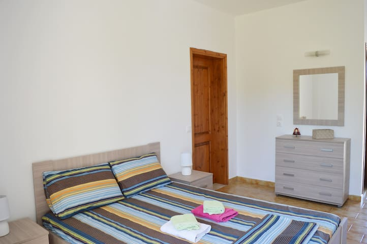 Fully equipped apartments in a quiet area - Rhodes - Flat