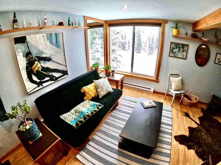 Ski Bunny Studio - Brand New Listing Winter 2020