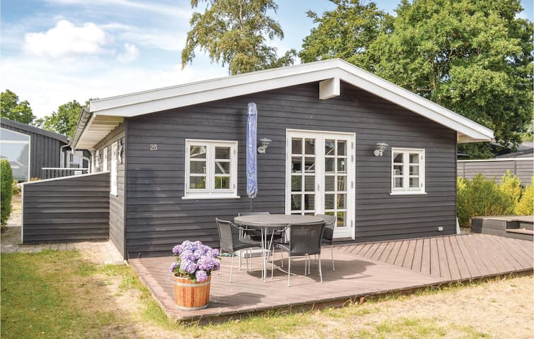 Holiday cottage with 2 bedrooms on 63m² in Sæby