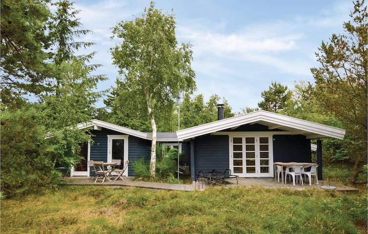 Holiday cottage with 3 bedrooms on 89m² in Højby