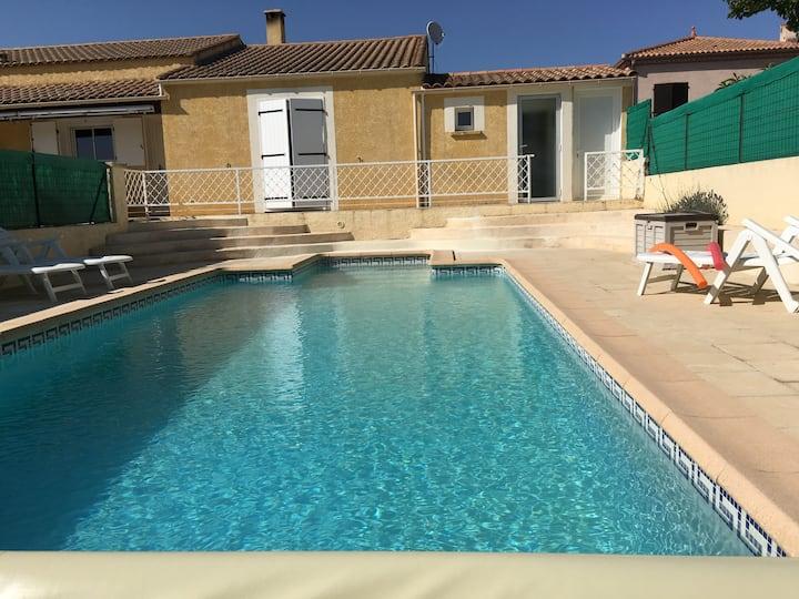 Chambre, lit 160cm, piscine , détente..canoë