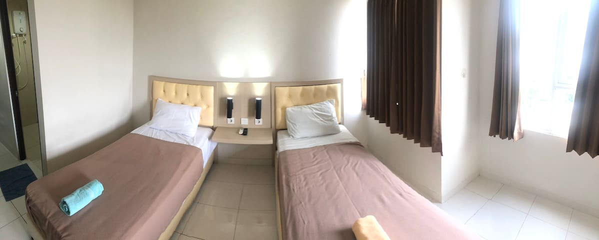 Elvis Tower Guest House Cikarang Cozy by Shavxiao