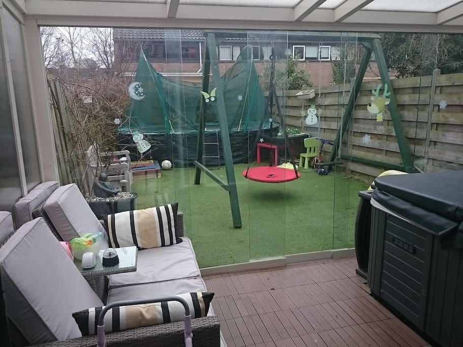 Yard with swing and Trampoline