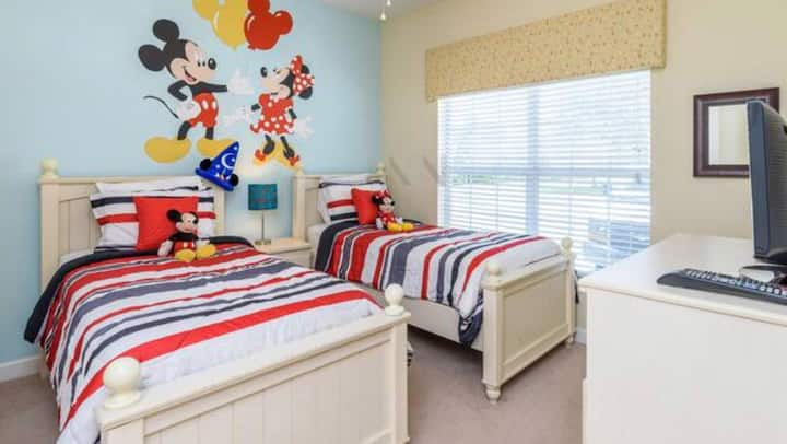 Amazing room Mickey and Minnie 2 full size bed