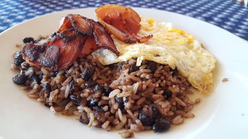 Where To Eat - Tamarindo