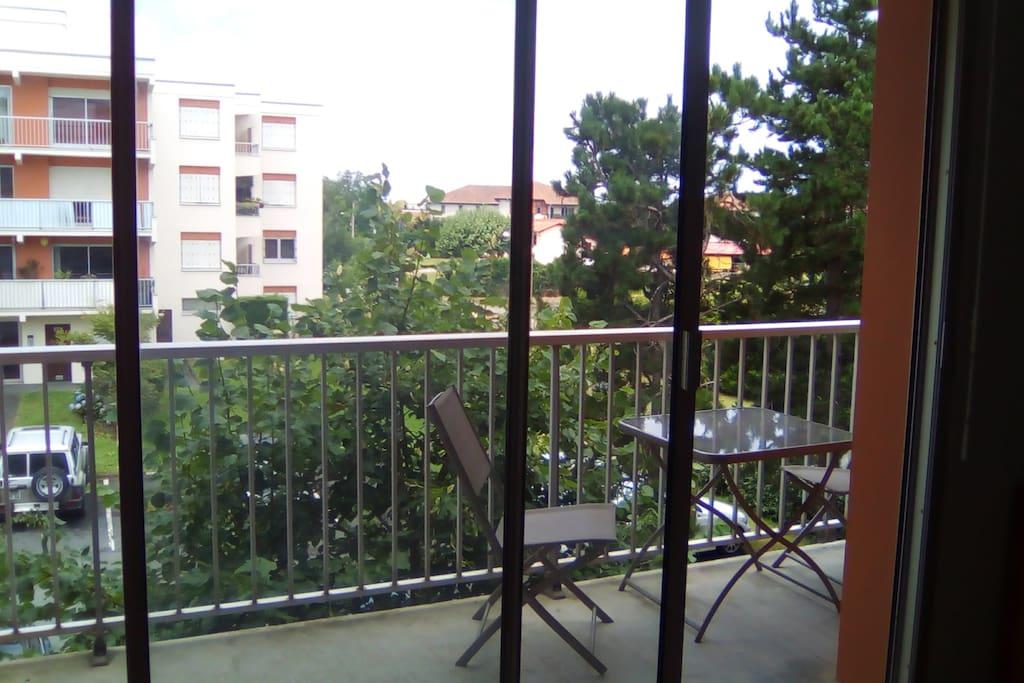 joli studio au calme et proche de tout condominiums for rent in bayonne nouvelle aquitaine. Black Bedroom Furniture Sets. Home Design Ideas