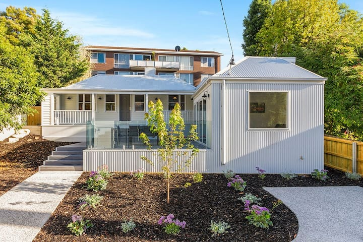 Goulburn Cottage - Comfort, Style and Location