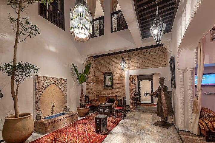 Riad 5 chambres, hammam et jacuzzi | Médina centre
