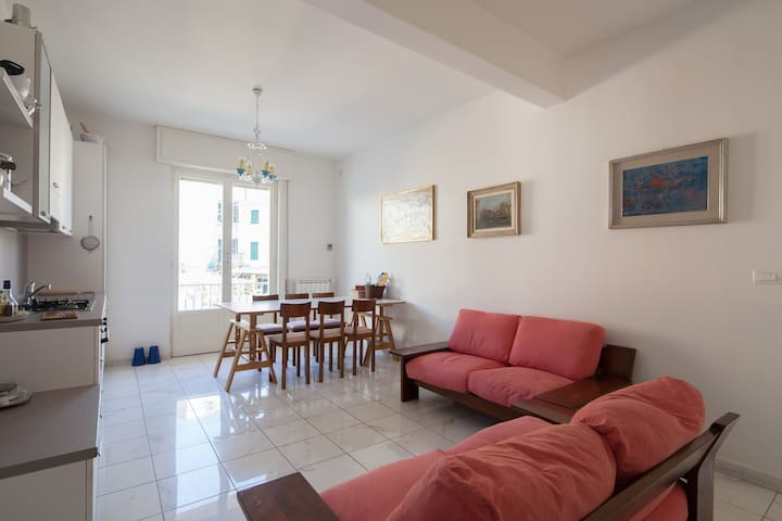 Beautiful and luminous apartment in Deiva Marina