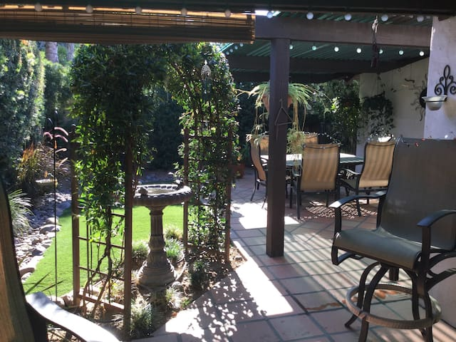 Private garden cottage - Fallbrook - Huoneisto