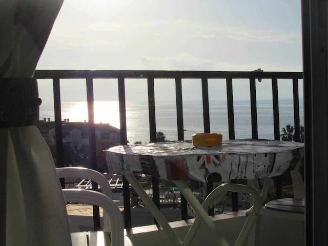 Beach, center and relax! Few meters to the beach with fantastic sea view