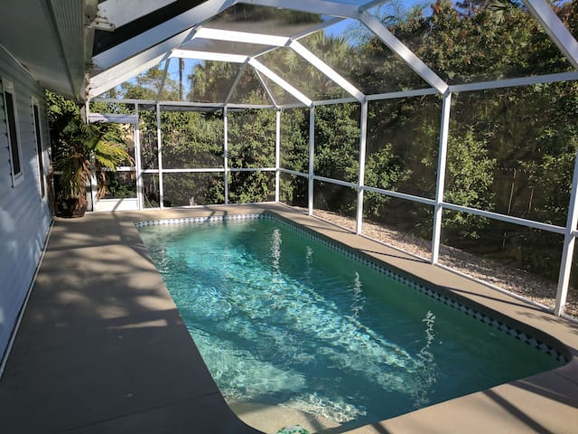 Florida Getaway- Private Heated Pool - Port Charlotte
