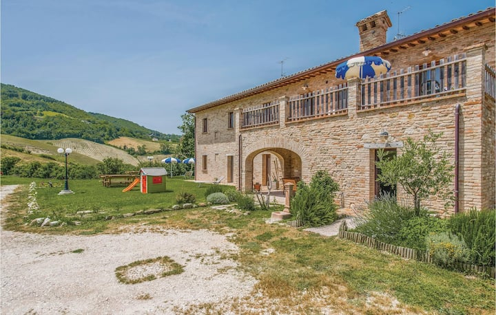 Beautiful home in Urbino -PU- with WiFi and 1 Bedrooms
