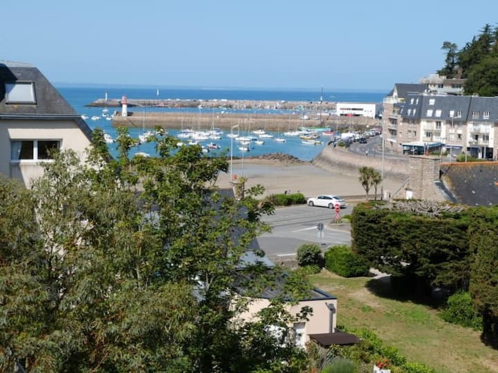 A ERQUY, à quelques pas de la plage du centre, à 800m des commerces