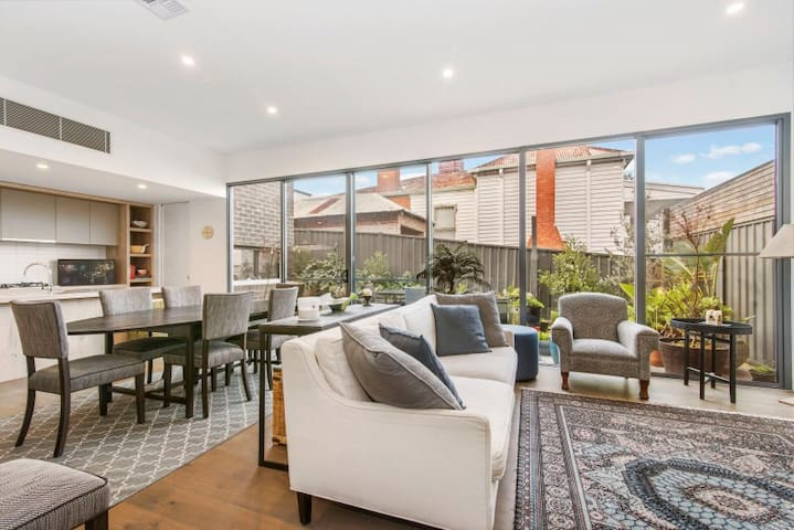 Style 4 living,Family Friendly,close to CBD