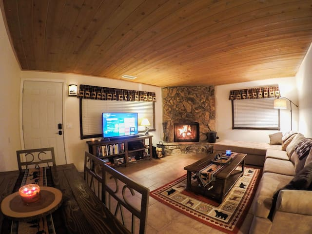 Summit Serenity - Cozy cabin, comforts of home!