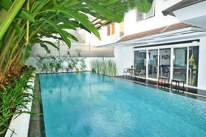 Villa Bandung w Private Pool (Amethyst F-45)