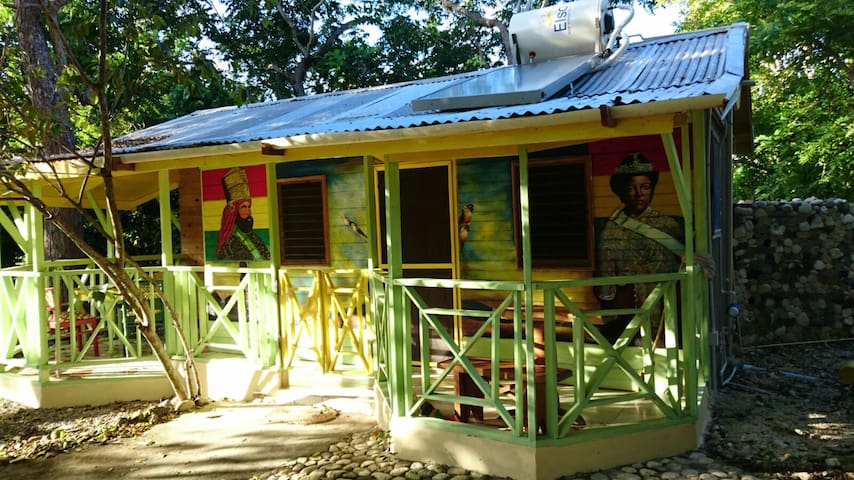 Real Jamaica - The Artist House - Oracabessa