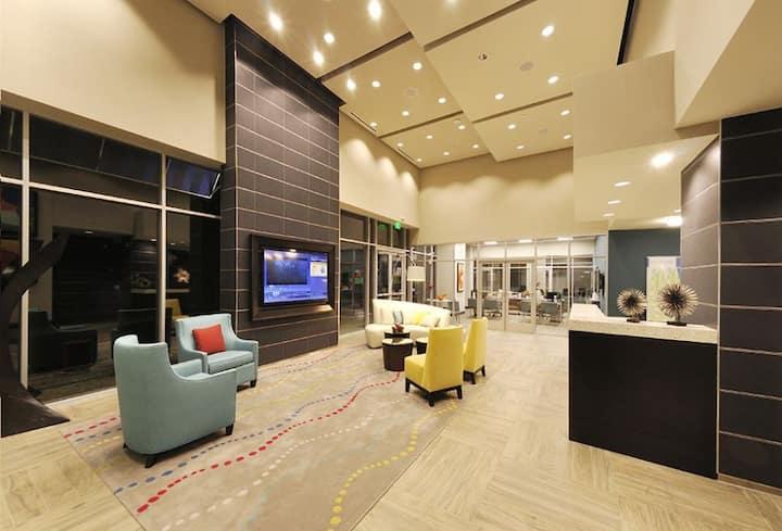 Clean, cozy apartment home | 3BR in Orlando
