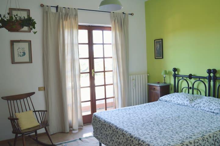 La stanza verde, nella campagna di Roma - Cesano - Bed & Breakfast