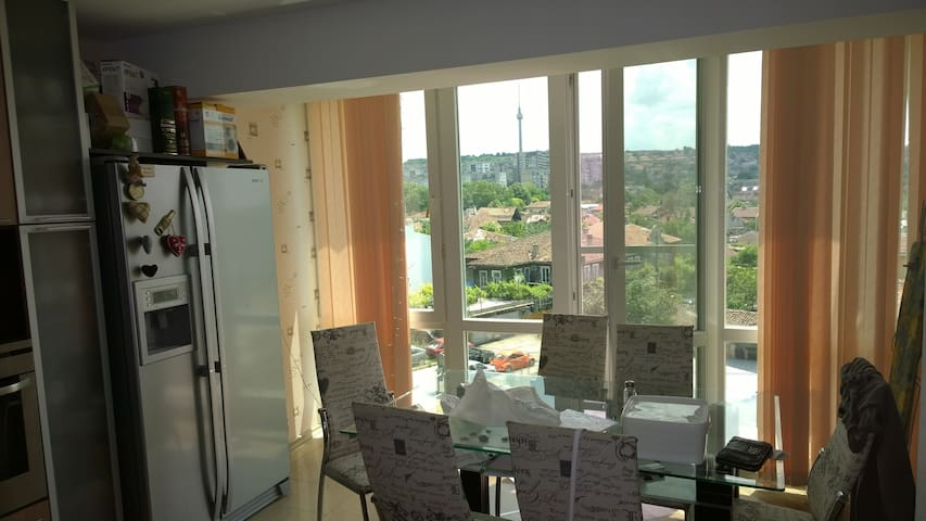Sunny modern apart/town centre/view - Ruse - Apartment