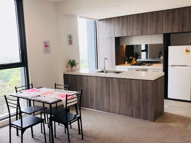 • The Flamingo-Brand New Executive Apartment•