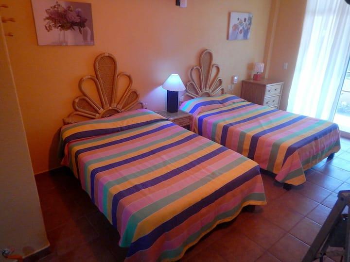 EL TULIPAN 5 pax room Hotel Boutique CASA NORELY