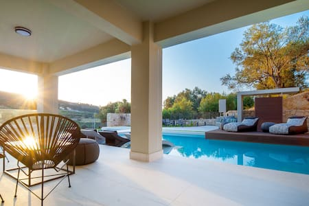 Premium Villa with 72 sqm Pool amidst Nature