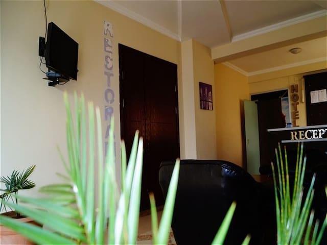 """Отель """"OTSNEBA"""" с видом на море и горы - Gonio - Bed & Breakfast"""