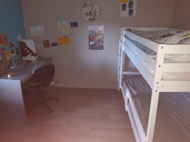 Chambre enfant 2 à l'étage
