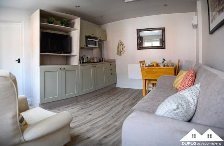 The Robinson Apartment at West Drayton Farm