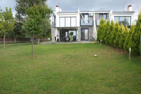RELAXING  FAMILY HOUSE - Villa