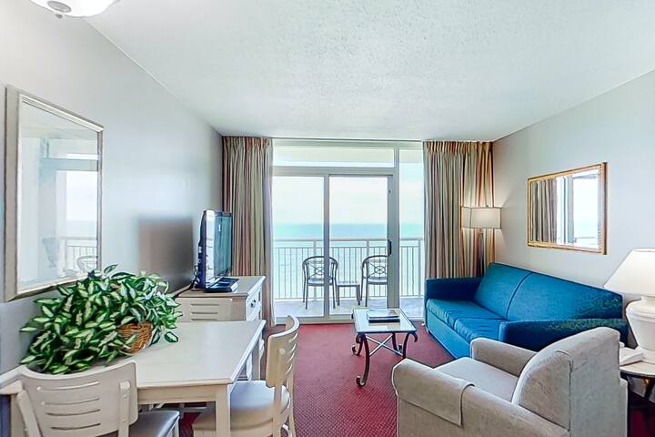 15th Floor Ocean View Snowbird Friendly Condo w/ Pool/Hot Tub, WiFi, AC
