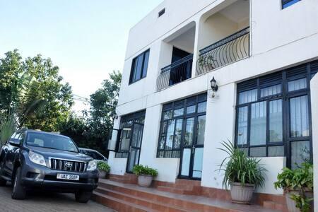 HLK Apartments - Kampala - Lakás