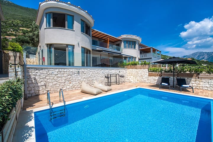 Stylish Villa Maria with Private Pool &Super Views