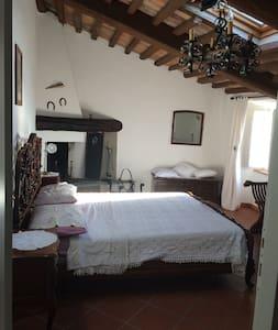 Camera doppia con bagno privato al mare in Toscana - Monteggiori - Haus