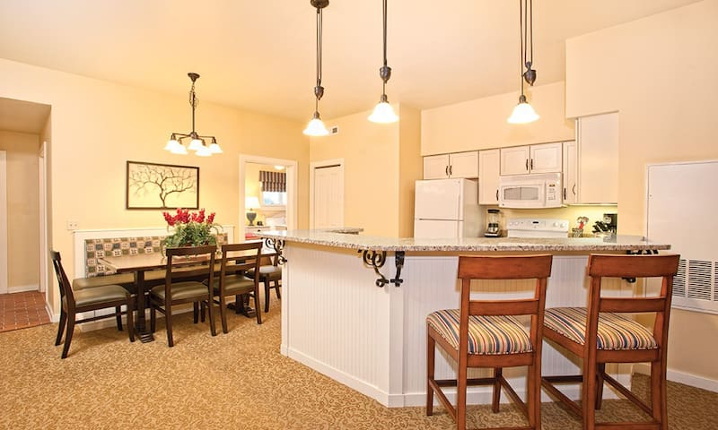 Beautiful 2 Bedroom at Wyndham Shawnee Village