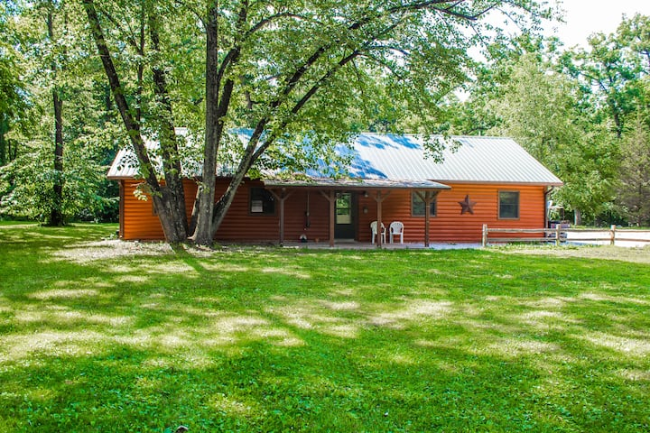 Kishauwau's Starved Rock Area Cabins  - 4 bedroom (Grandma's) cabin sleeps up to 14 people