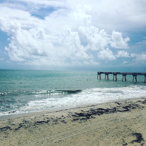 Vero Beach ~ Beachside Retreat~steps to the beach
