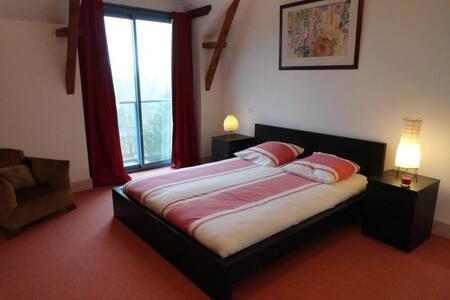 Chambre dans maison de charme - Cahors