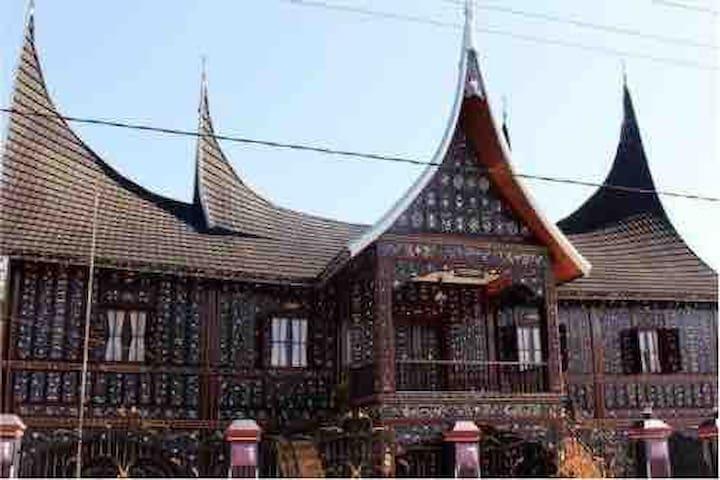 Rumah Gadang Puri Chatali