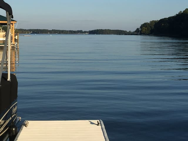 Community access is within walking distance. Come to Lake Norman and relax.   Put your feet in the warm water, watch the sunset, while listening to the sounds of nature.