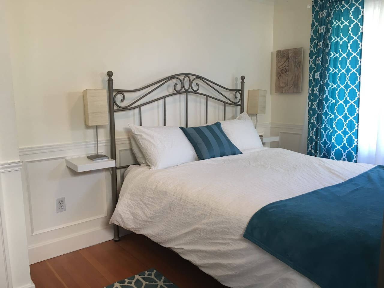 Super comfy queen bed for a restful sleep