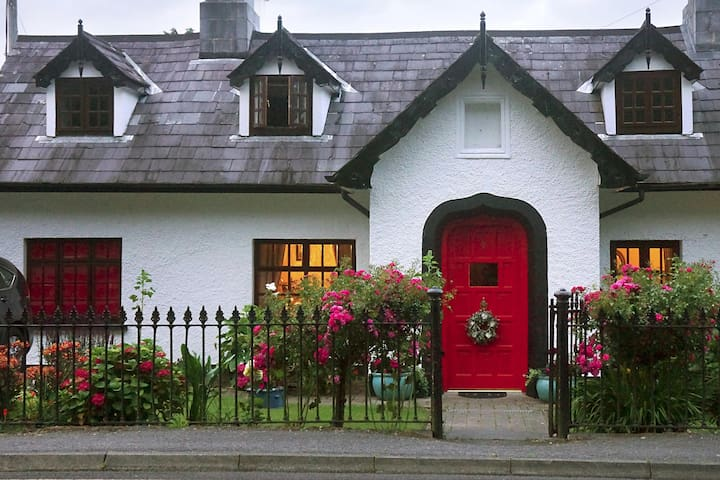 Ivy Cottage Twin beside Killarney National Park